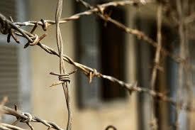 Черкаський засуджений одягає солдатів АТО