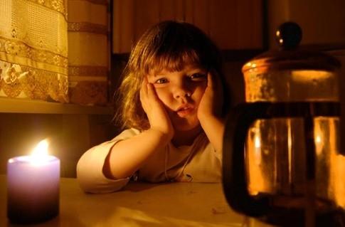 Директор Обленерго розказав, чому не попереджає про відключення світла