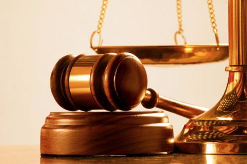 Троє суддів вимагають квартири