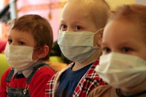 До маленьких пацієнтів Центру дитячої онкології прийшли в гості казкові герої