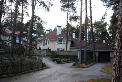 Черкаські активісти допитували прокурора вдома