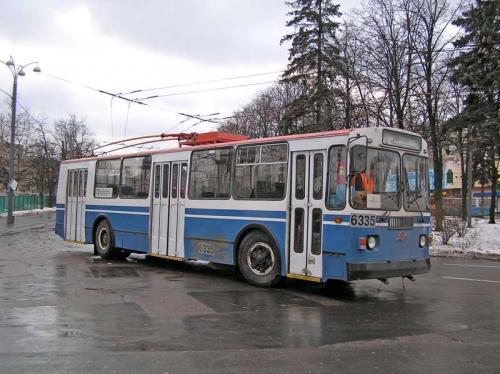 У Черкасах горів тролейбус із пасажирами (ВІДЕО)