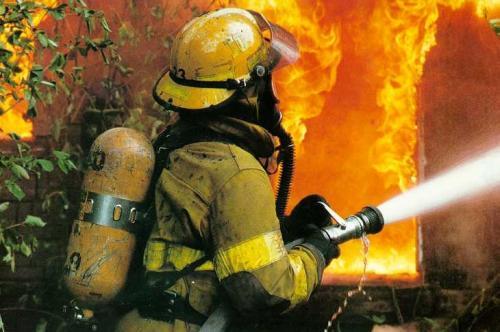Пожежники врятували від смерті дитину з матір'ю (ВІДЕО)