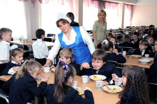 Фінансувати обіди дітей у черкаських школах буде не лише міський бюджет