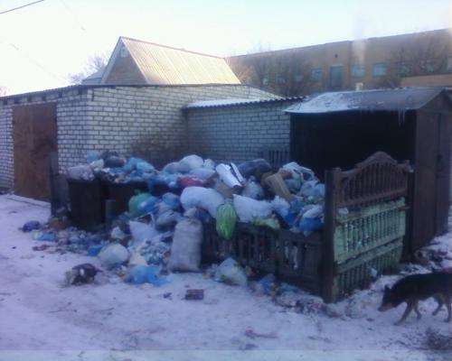 Різдво Шпола зустрічала із купою сміття на вулиці (ФОТО)