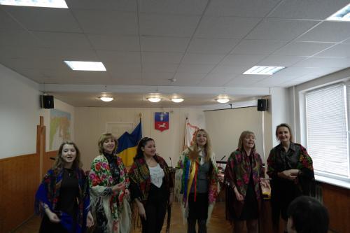 У Черкаській міськраді співали щедрувальники (ВІДЕО)