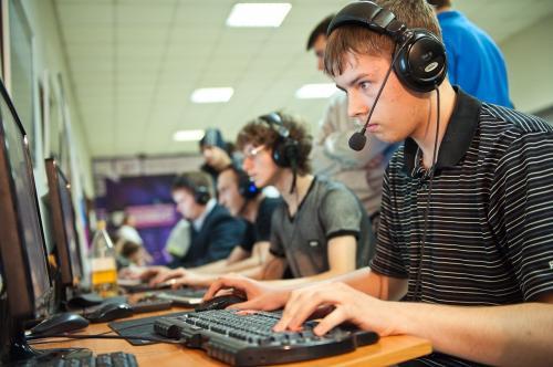 Черкаська молодь не хоче жити  онлайн (ВІДЕО)