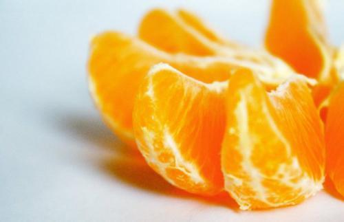 На свята черкаським зекам передали спирт у мандаринах