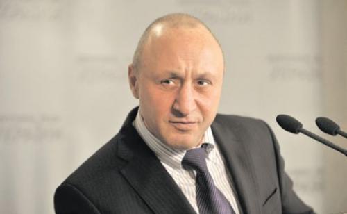 Черкаський нардеп у Верховній Раді тікав від журналістів (ВІДЕО)