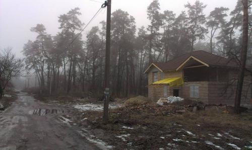 В Черкасах прямо посеред парку будують елітне житло (ФОТО)