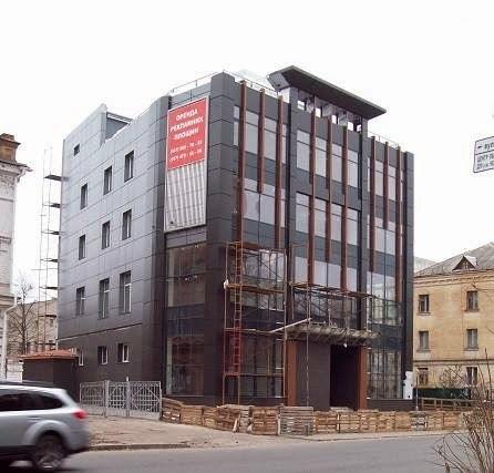 Черкащан дратує новобудова на Хрещатику (ФОТО)