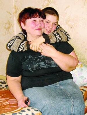 Бабуся підозрює, що її онука підмінили у пологовому будинку