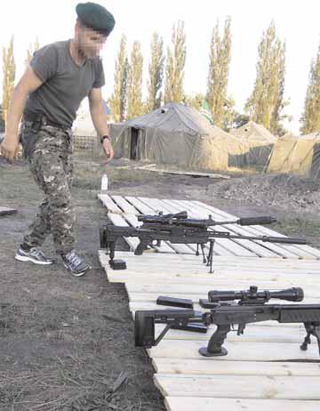 Черкащанин є одним українцем, що служить у чеченському батальйоні імені Шейха Мансура