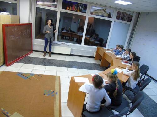 У Черкасах переселенців навчають англійської, українських традицій і танго