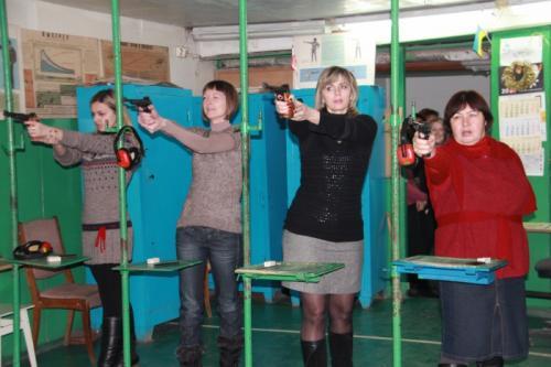 Черкаські вчителі взяли до рук зброю