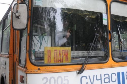 Черкаські тролейбусники просять скоротити їм кількість виїздів