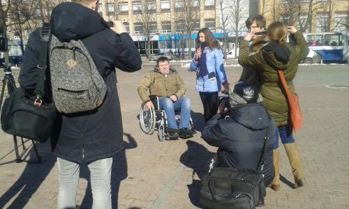 Секретар міської ради сів у інвалідний візок (ФОТО)