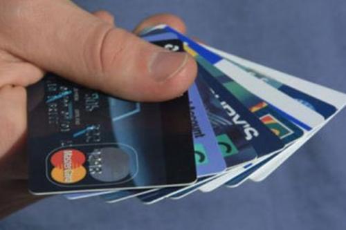 20-річний черкащанин знімав гроші із чужих кредитних карток