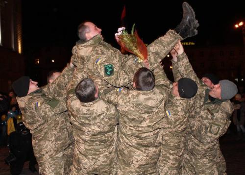 Як зустрічали черкаських бійців АТО на Соборній площі (ВІДЕО)