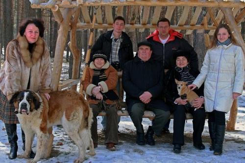 Родина мера Черкас за рік заробила півтора мільйони гривень
