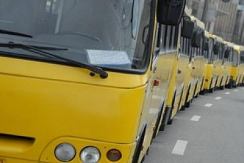 Бунт перевізників: маршруток поменшає, а проїзд подорожчає