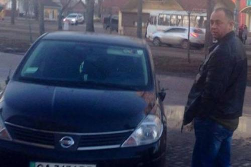 Черкаський волонтер розбив авто жінки (ФОТО)