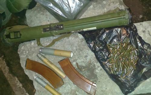 У Черкасах міліціонери затримали автомобіль зі зброєю