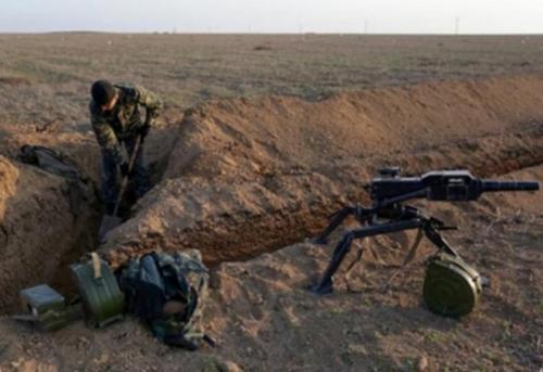 Для укріплення лінії оборони бійцям на передовій потрібні сокири та лопати