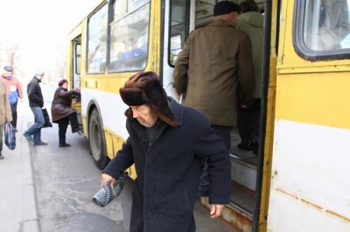15 маршрут у Черкасах знову стоїть