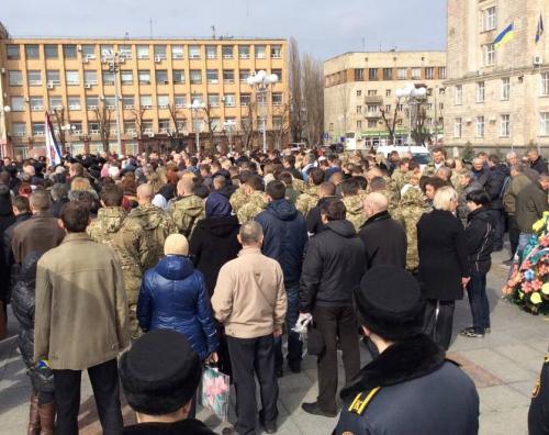 Черкаси попрощалися на Соборній площі зі своїм героєм