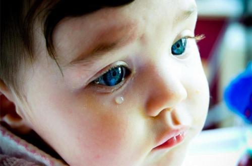 Черкащан просять врятувати тяжкохвору однорічну дівчинку