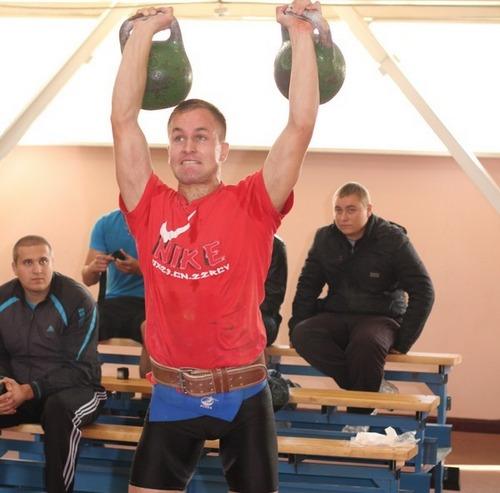 Черкаський гирьовик став срібним призером чемпіонату України
