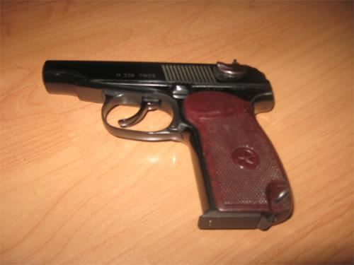 Черкащанам розповіли, як користуватися пістолетом (ВІДЕО)