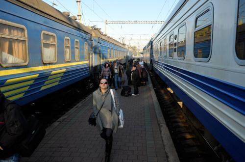 """До Великодня їздитиме додатковий поїзд """"Черкаси-Одеса"""""""