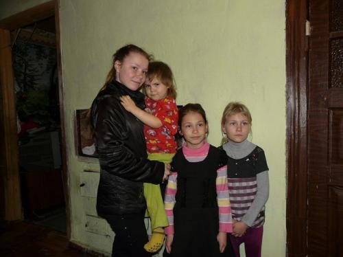На Черкащині батько шістьох дітей пішов на війну, а мати – на заробітки