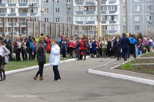 У черкаській школі через газовий балончик евакуювали дітей та вчителів (ФОТО)