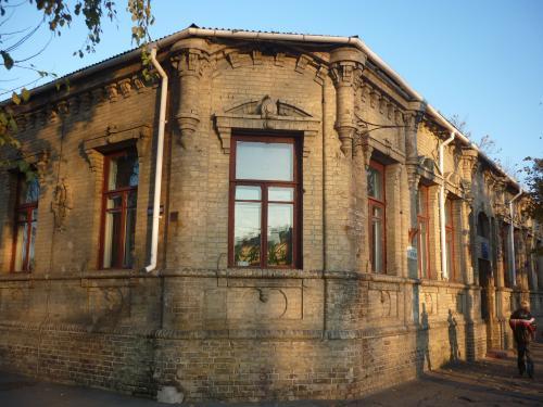 Історична будівля у центрі Черкас руйнується через недбалість чиновників