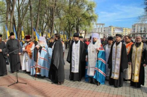 У Черкасах привселюдно посварилися священники Київського та Московського патріархату