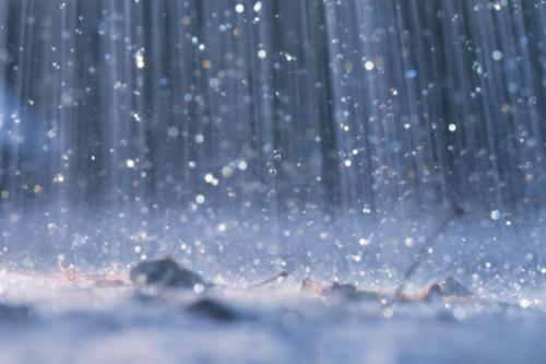 На травневі свята дощитиме
