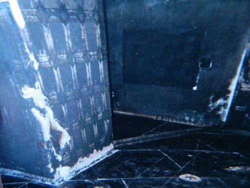 Пенсіонери, у яких згорів дім, просять допомогти їм з меблями