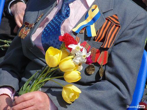 Черкаські ветерани можуть не послухати і вдягнути на 9 травня георгіївську стрічку