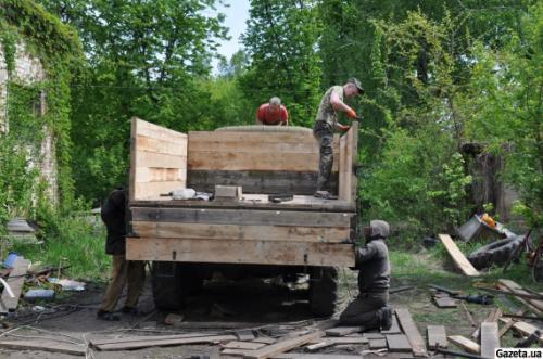 На Черкащині ремонтують стару досаафівську техніку для АТО