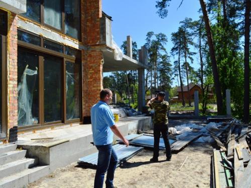 Хто забудовує Соснівський парк?