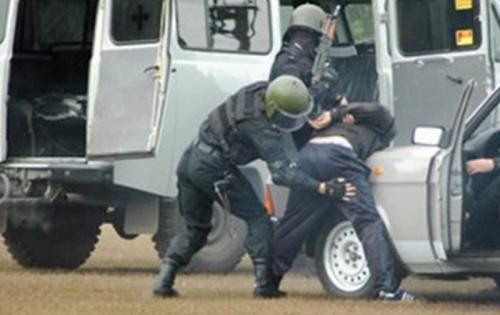 У центрі Черкас зі стріляниною затримували наркоторговців