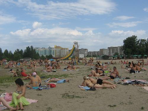 Черкащани відкрили пляжний сезон (ВІДЕО)