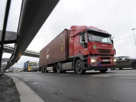 На Черкащині стануть менше їздити вантажівки