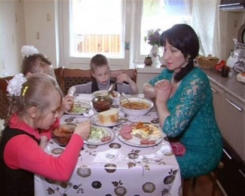 Родина з Черкащини забрала під опіку дітей з Донеччини