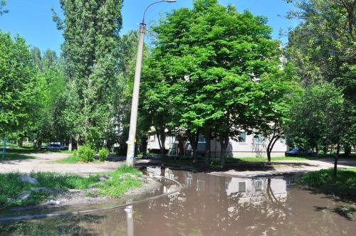 У Черкасах 10 років борються із затопленою вулицею