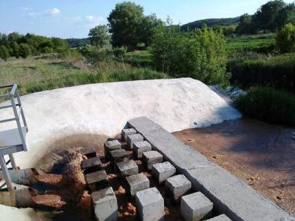Потужне черкаське підприємство зливає нечистоти просто в річку