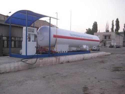 У Черкасах люди бунтують проти газової заправки